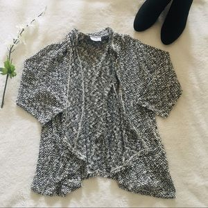 $5 W/ BUNDLE Black And White Pebbled Cardigan